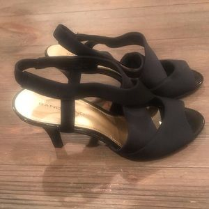 Bandolino Black Heels - like new!